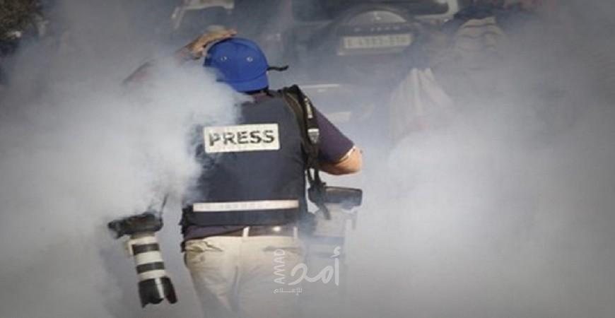 نقابة الصحفيين تستنكر استهداف الصحفيين في مسيرات العودة بشكل متعمد - أمد للإعلام